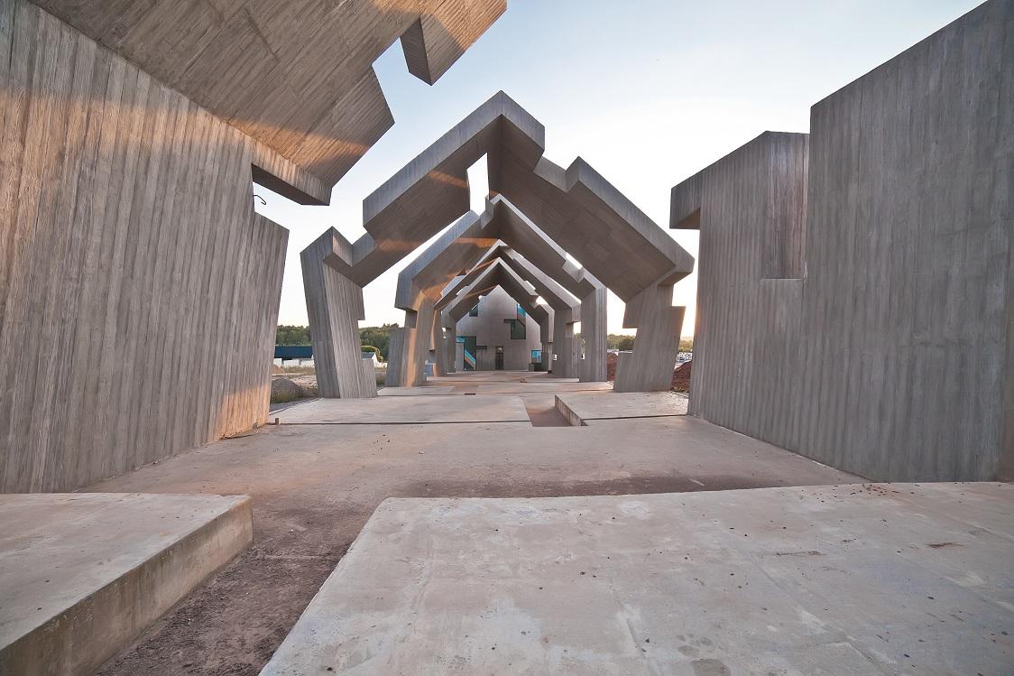 RZEŹBIARSKA ARCHITEKTURA W MICHNIOWIE