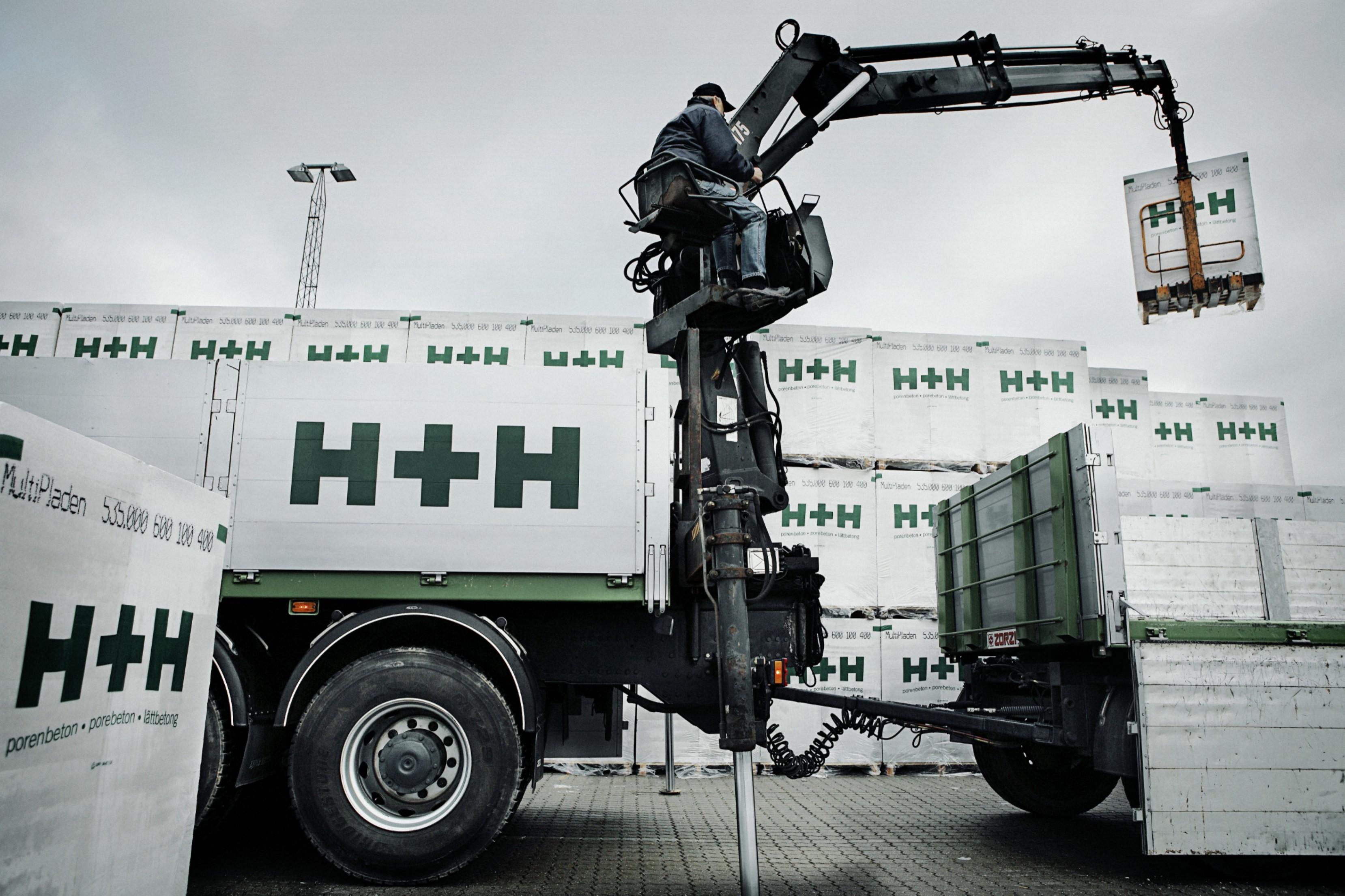 Jak uniknąć uszkodzenia materiałów murowych podczas transportu  i składowania?