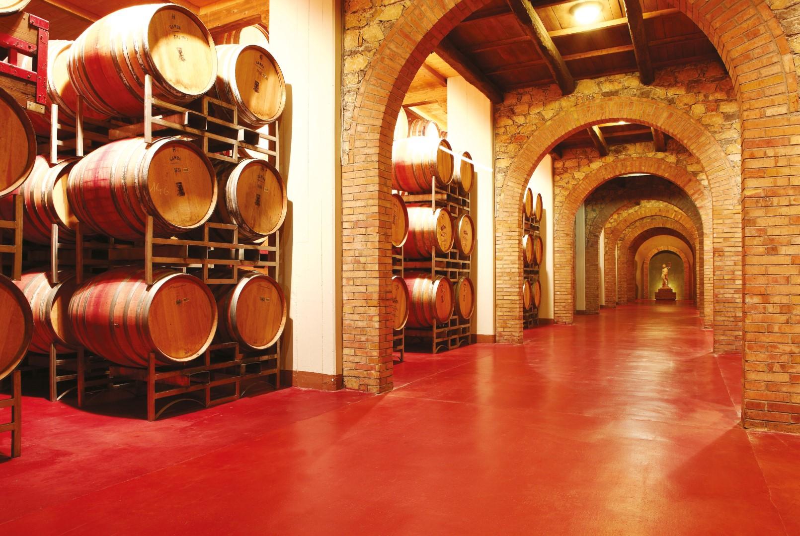 Porady ekspertów Flowcrete – Jak dobrać posadzki do winiarni?