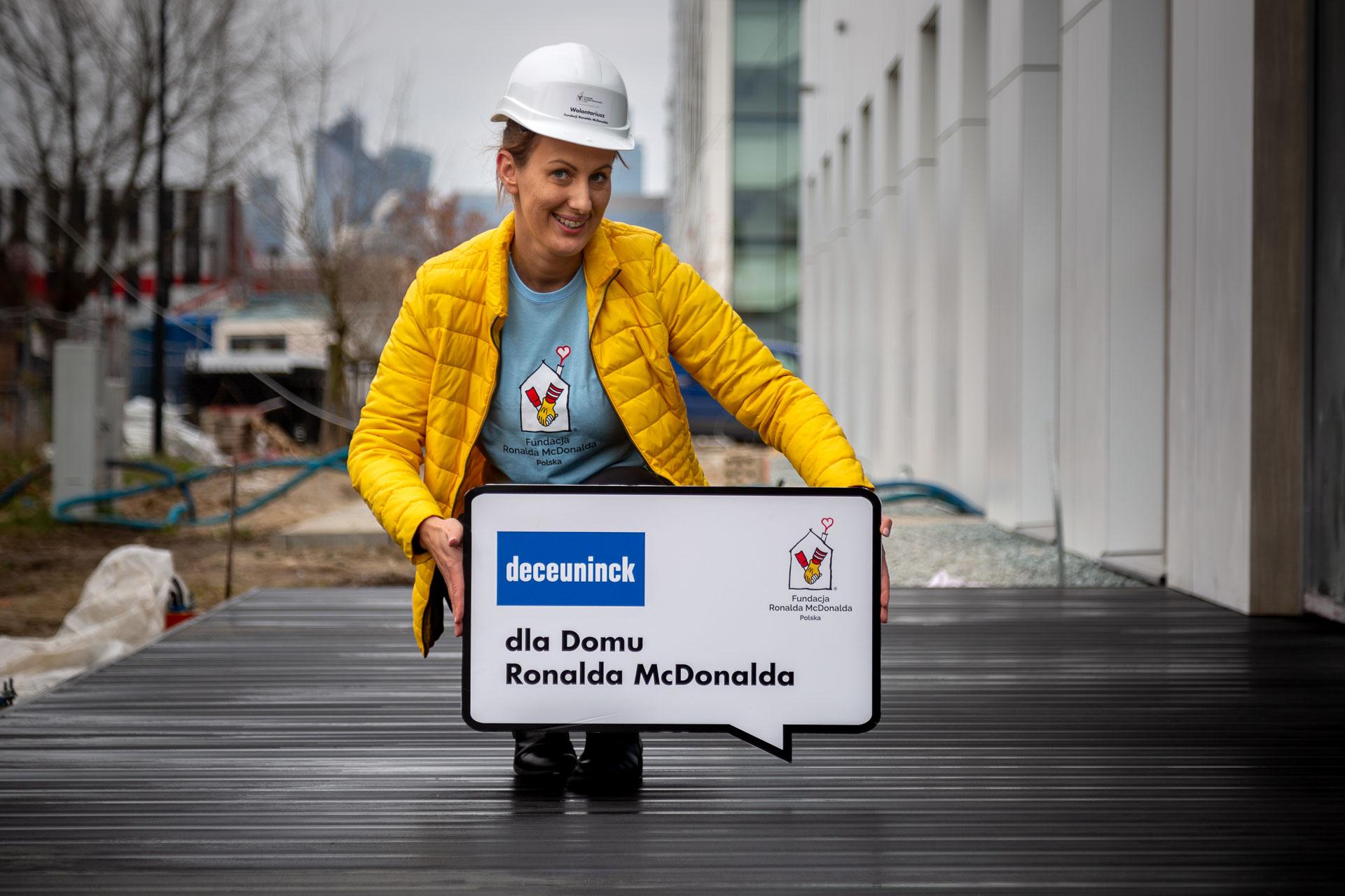 Deceuninck wspiera fundację Ronalda McDonalda