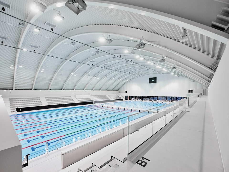 Monumentalny basen Gyarmati Dezső w Budapeszcie w systemach ALUPROF