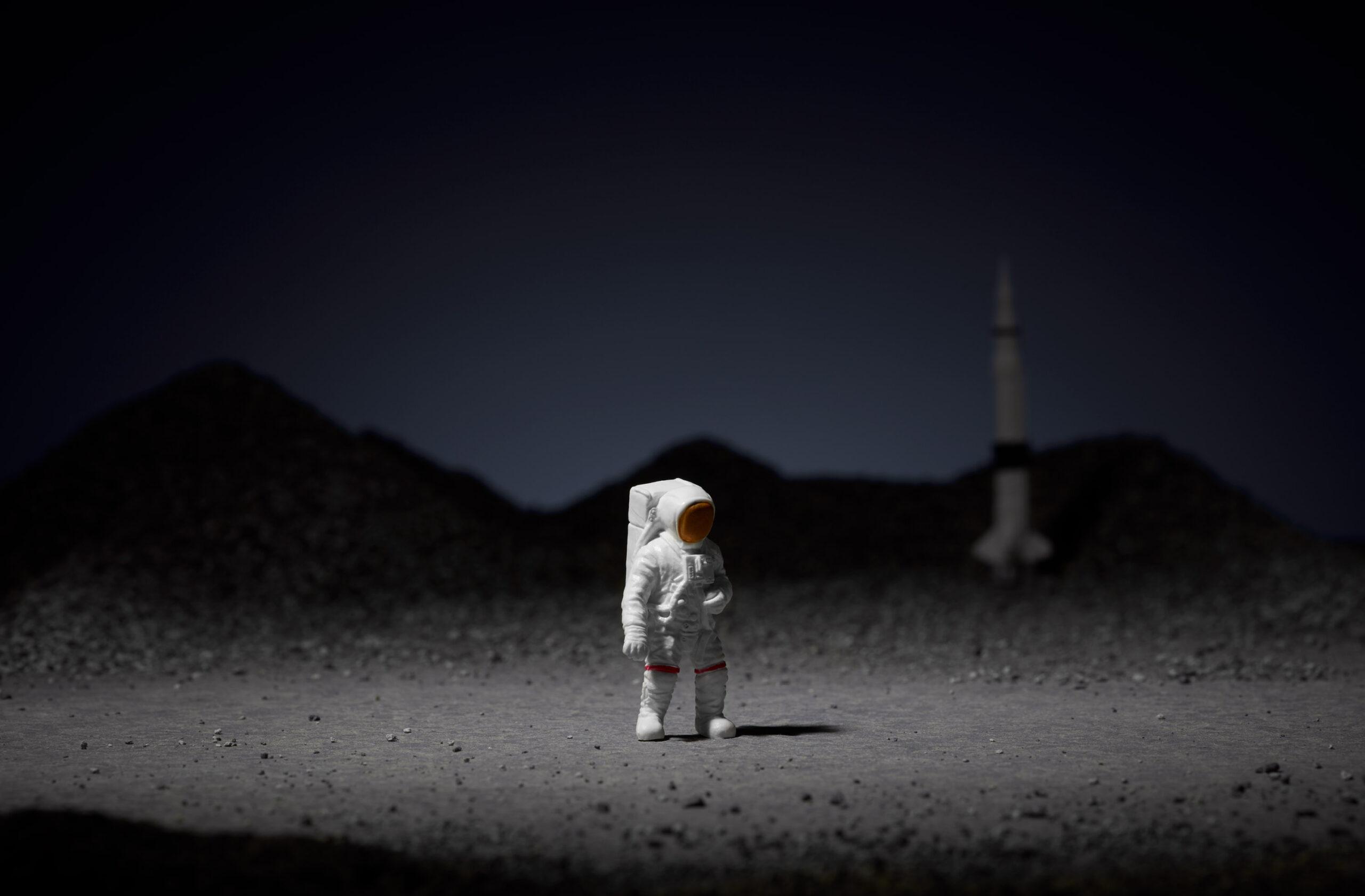 Misja EQUITONE [lunara]: Regularnie nieregularne – dla nieprzeciętnej elewacji